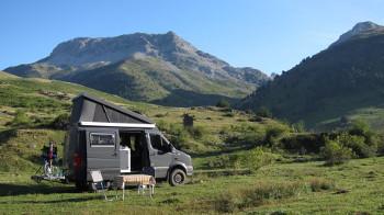 VW-Drafter in Landschaft